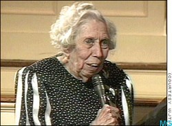 death of a traveling salesman eudora welty The death of a traveling salesman by eudora welty r j bowman, who for fourteen years had traveled for a shoe company through mississippi, drove his ford along a rutted dirt path.